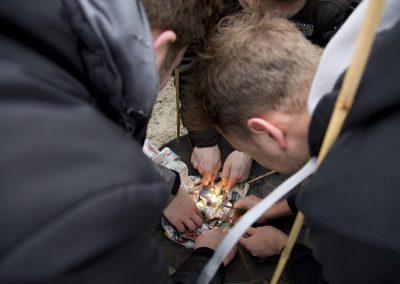 Bedrijfsuitje Expeditie Robinson - Activiteit vuur maken