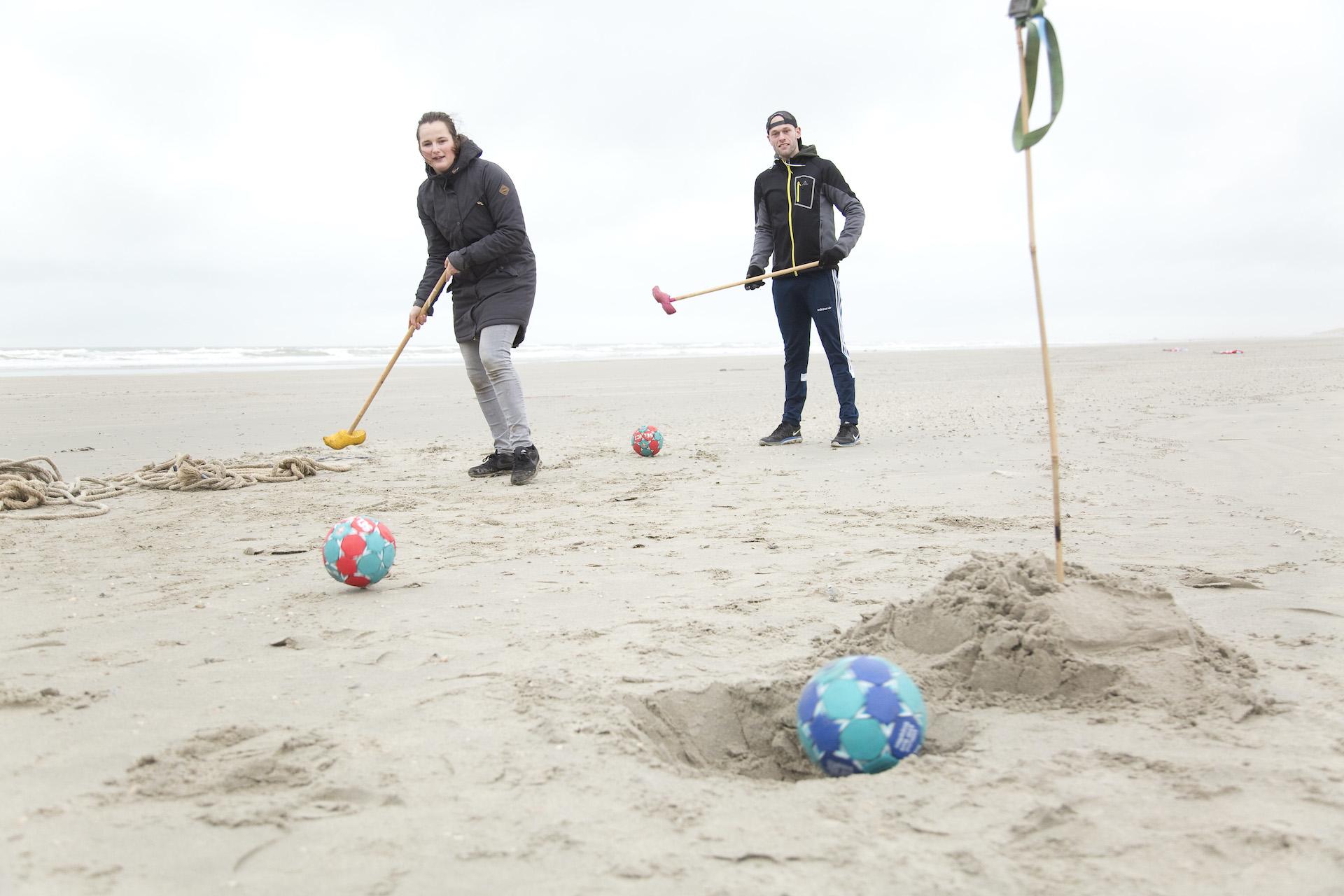 strand-bedrijfsuitje-knotshockey