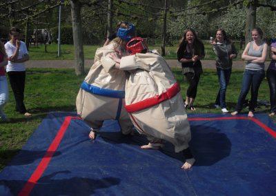 strand-bedrijfsuitje-sumo-worstellen